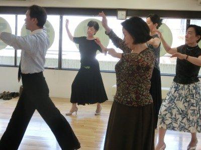 社交ダンススロー
